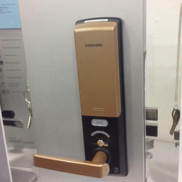 khóa cửa vân tay Samsung