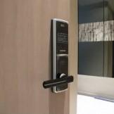 Hình ảnh lắp đặt khóa điện tử Samsung SHS 5120