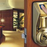 Khóa cửa cao cấp tay gạt cho nhà bạn sang trọng, hiện đại hơn