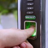 Khóa cửa vân tay – Sự đột phá về công nghệ hiện đại
