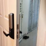 Lắp đặt khóa cửa điện tử Samsung 625