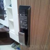 Lắp đặt khóa điện tử Samsung SHS P717 Tại Sky City 88 Láng hạ