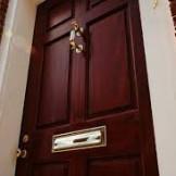 Lựa chọn thông minh với khóa cửa gỗ